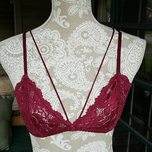16acb96f2ac487 Lace bralette. Boutique. Region Hunt